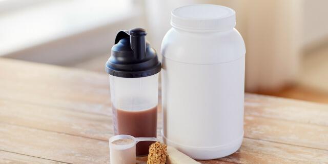 筋肉痛はプロテインで解消しよう!摂取量や痛みを和らげるコツ3選