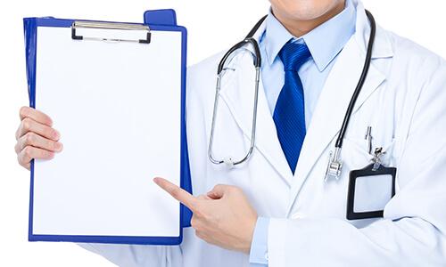 医師とチェック項目