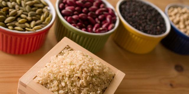 玄米などの穀物