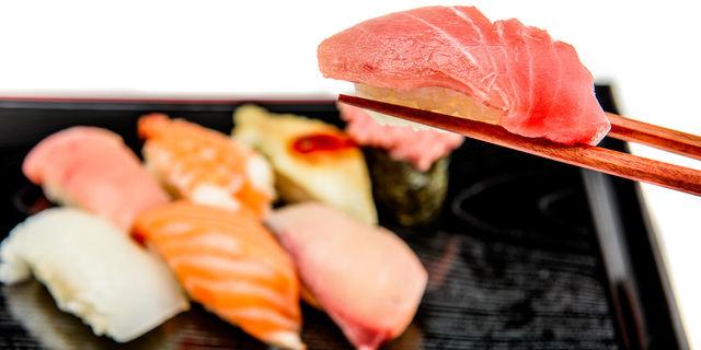 マグロとサーモンのお寿司