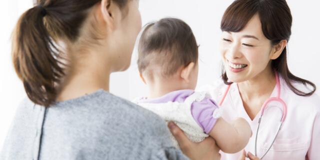 赤ちゃんと医師