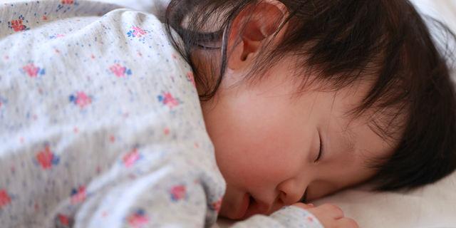 赤ちゃんのうつぶせ寝