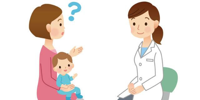 医師に質問するママ