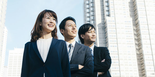 より良い働く環境を目指すビジネスマン