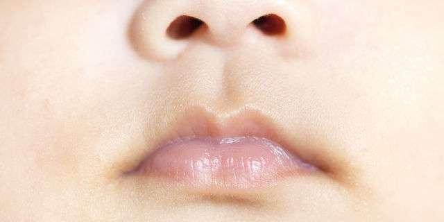 赤ちゃんの唇