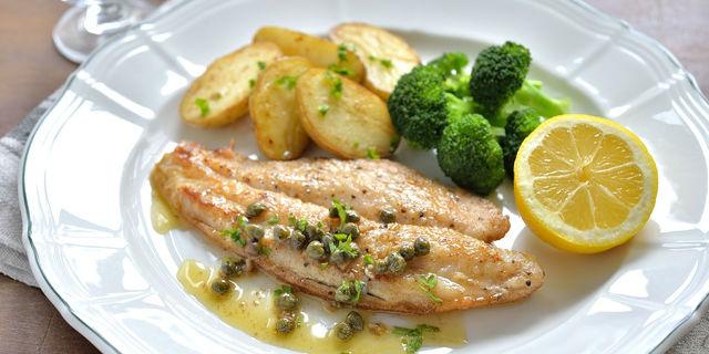 焼き魚とレモン