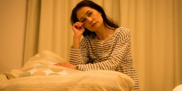 寝不足の母親