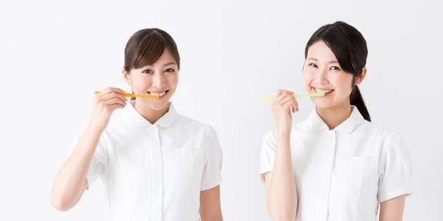 歯磨き方法を教えてくれる歯科衛生士