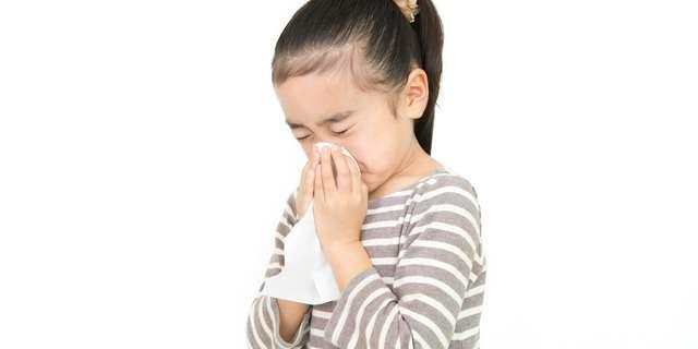 鼻水が止まらない子供