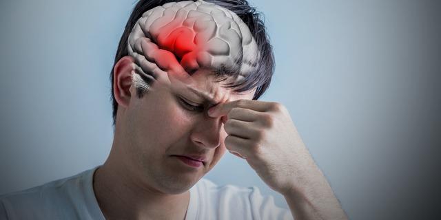 頭痛がある男性