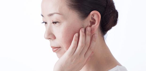 気圧の差以外でも起きる!耳が詰まったような状態の耳閉感って?