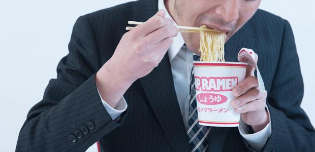 飲酒とインスタント食品ばかり?増えるビタミンB1(チアミン)欠乏症に注意!