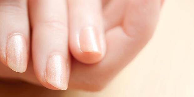 弱くて折れやすい爪…なんとかならないの? その原因と対処法