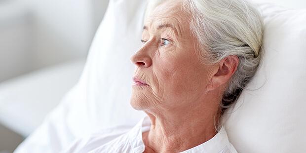 一人身の場合、老後の孤独死を避ける方法は?