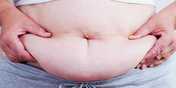 女性の中年太りの原因と対処法は?