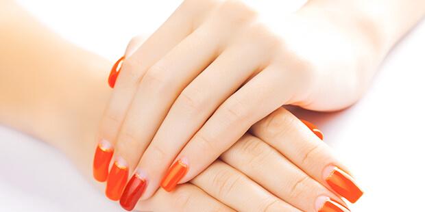 爪を噛む人は、カルシウムや鉄分が不足している…ってホント!?