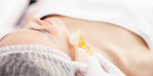 皮膚科で受ける「ニキビ治療」の方法は?
