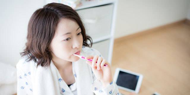 朝起き て すぐ 歯磨き